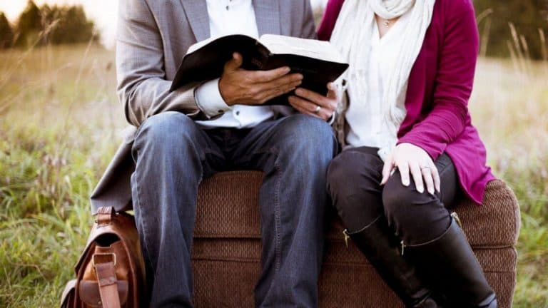 25 Christian Books For Couples To Read Together